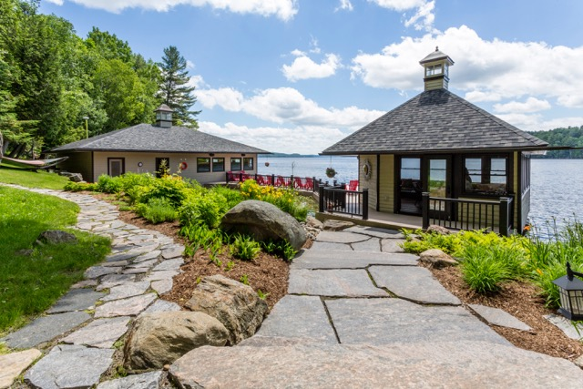 Ultimate in Luxury on Lake of Bays, Muskoka!